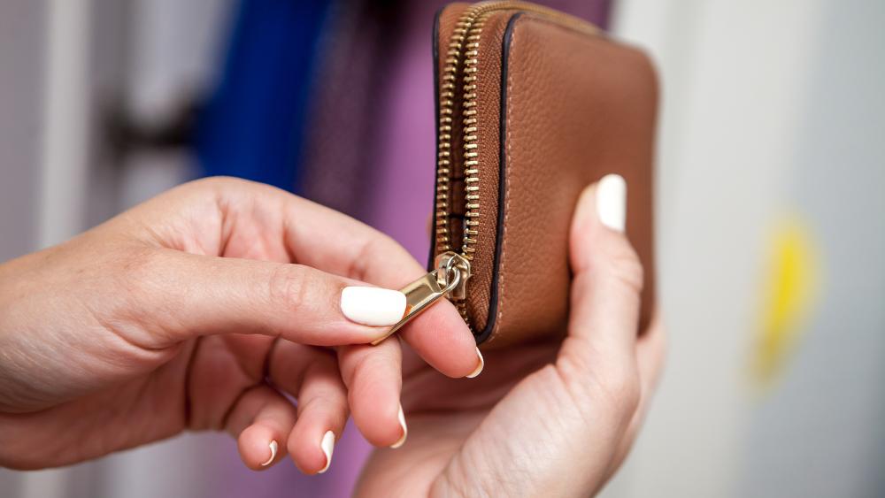 Jak nejlépe spořit na důchod? Kolik ušetří české ženy